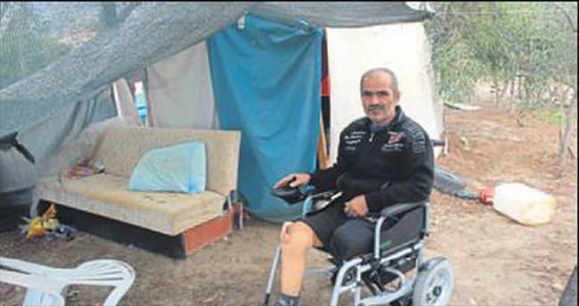 Bez çadırda yaşam mücadelesi veriyor