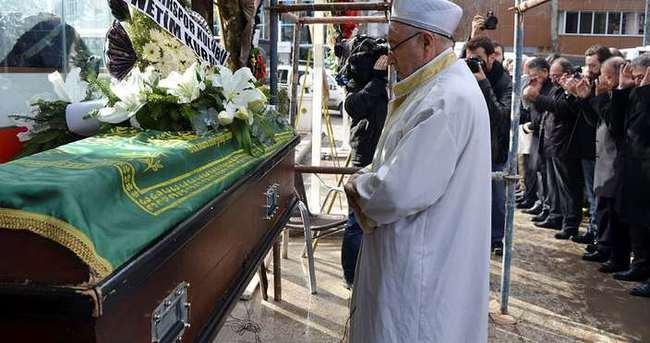 İmamın gafı cenaze sahiplerini kızdırdı