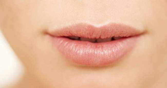 Kuru ve çatlamış dudaklara doğal çözüm