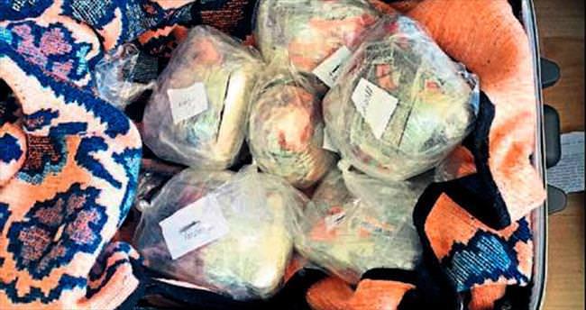 Sokak satıcılarına operasyon: 25 gözaltı