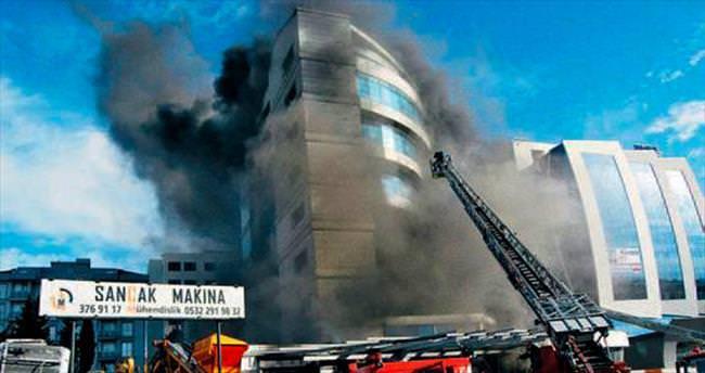 Otel açılamadan yandı kül oldu