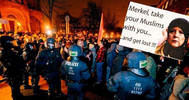 Almanya'da aşırı sağcılar polisle çatıştı