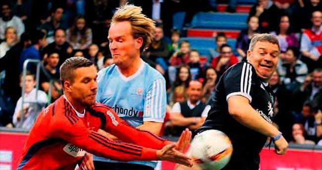 Podolski isyan etti!