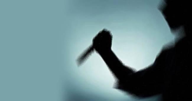 Eve alkollü gelen eşini bıçakladı