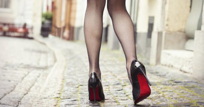 Topuklu ayakkabı giyenler dikkat!