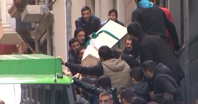 Amigo Sefa'nın cenazesi çıkarılırken ortalık karıştı