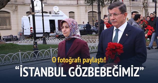 Davutoğlu Sultanahmet fotoğrafı paylaştı