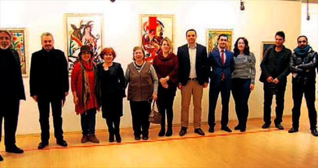 Ressam Gündoğan'ın camaltı sergi açıldı