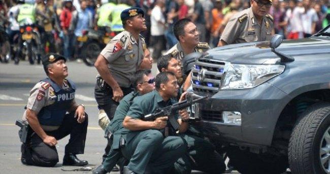 Cakarta'da Türk Büyükelçiliği yakınında patlama: 7 Ölü