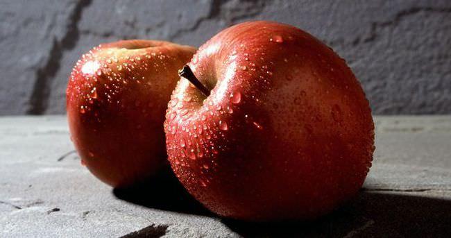 Kabuğu soyulmamış elma her derde deva