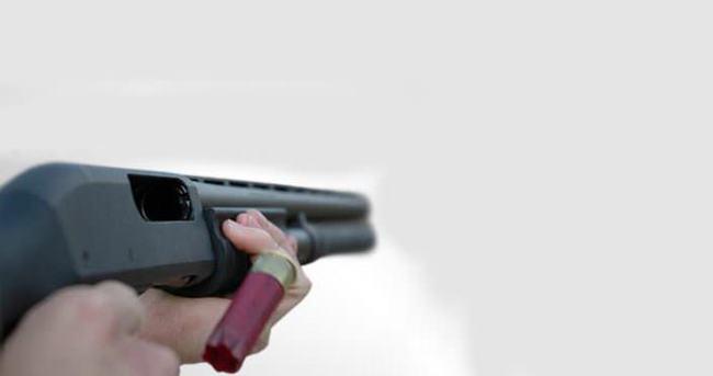 Eşi barışma teklifini reddedince, tüfekle intihar etti
