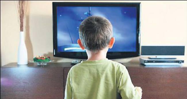 Uzmandan ailelere televizyon uyarısı