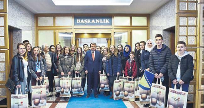 Bosnalı öğrencilerden Başkan Erkoç'a ziyaret