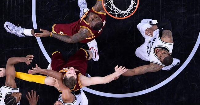 Spurs'ün çıkışını Cavaliers da durduramadı