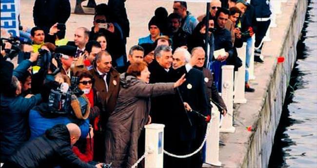 Ruslar ve Türkler Nâzım'la yürüyecek