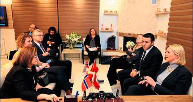 Norveçli Bakan'dan çağrı: Dünya acil yardım etmeli