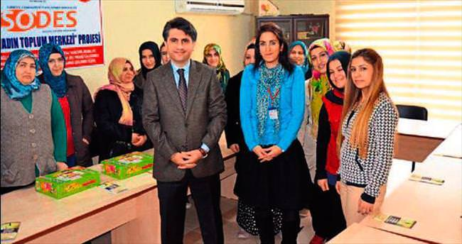 Annelere çocuk eğitimi ve etkinlikleri verildi