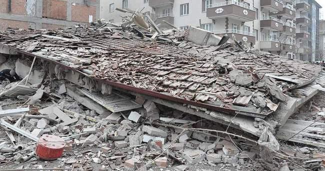 Yozgat'ta 4 katlı bina çöktü