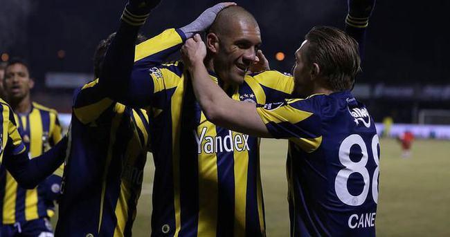 Fenerbahçe'de kafaları karıştıran olay görüntü