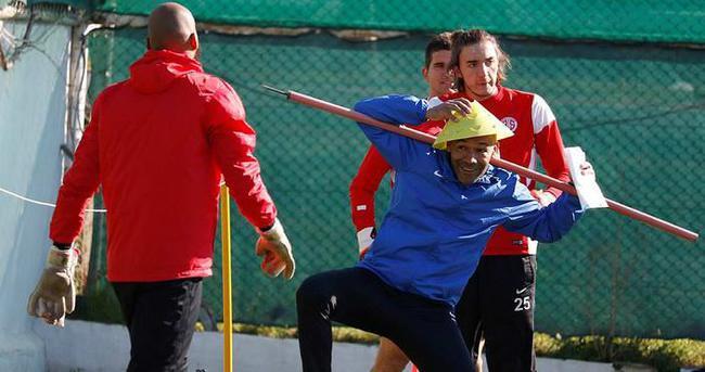 Antalyaspor antrenmanına Morais damgası