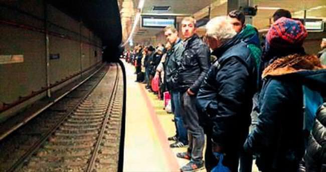 Metro'daki arıza sinirleri yıprattı