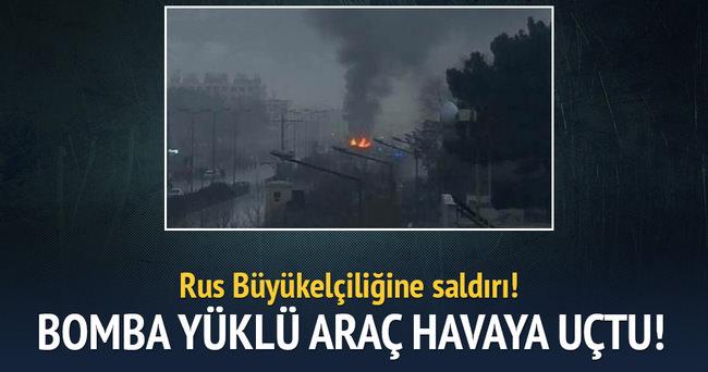 Rus büyükelçiliğine bombalı saldırı!