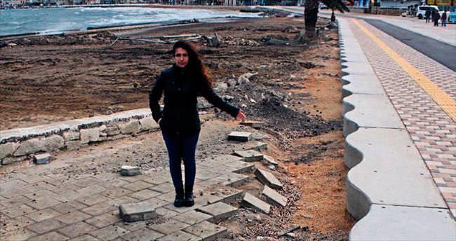 Foça'nın kıyıları üç ayda dağıldı
