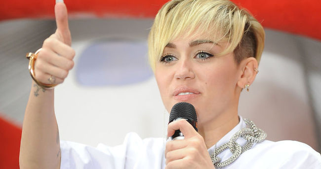 Miley Cyrus'tan yeni şarkı