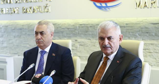 Bakan Yıldırım'dan Bakü-Kars-Tiflis projesi açıklaması!
