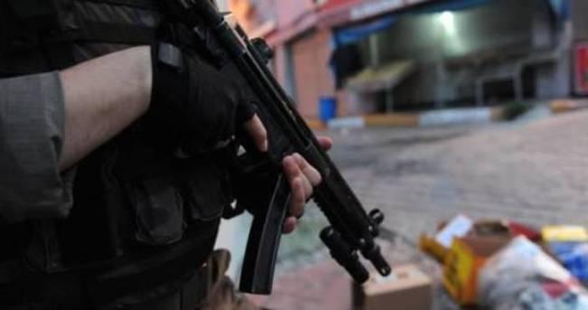 Hakkari'de iki terörist yakalandı