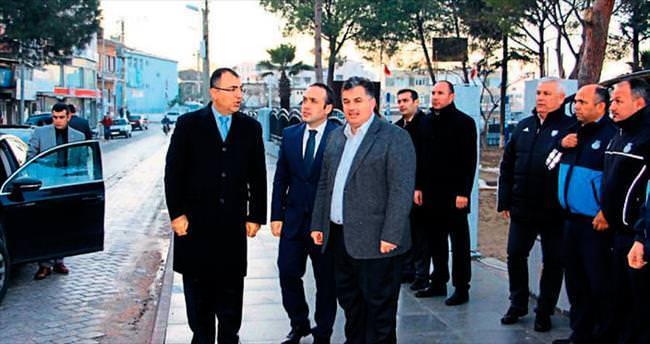 İzmir Valisi Toprak'tan Kınık'ta zarar incelemesi
