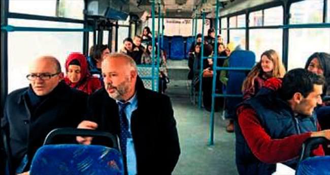 Halk otobüsünde bir Rektör var!