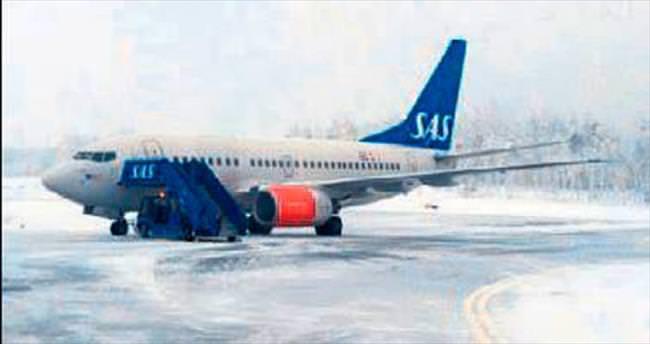 SAS uçağında bomba alarmı