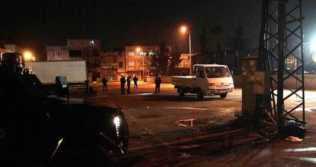 Adana'da polis merkezine ses bombalı saldırı