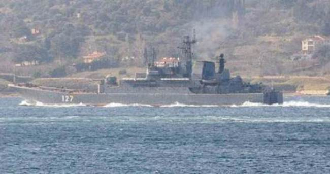 Akdeniz'de sıcak saatler: 2 Rus savaş gemisi...