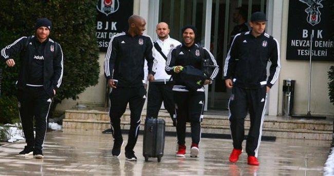 Beşiktaş kafilesi, Trabzon'a gitti