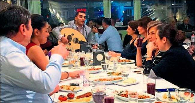Adana gecelerine fasıl damga vurdu