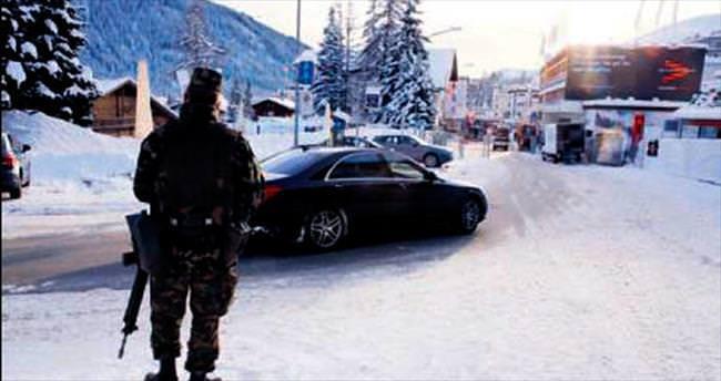 Davos nöbetinde kokain skandalı