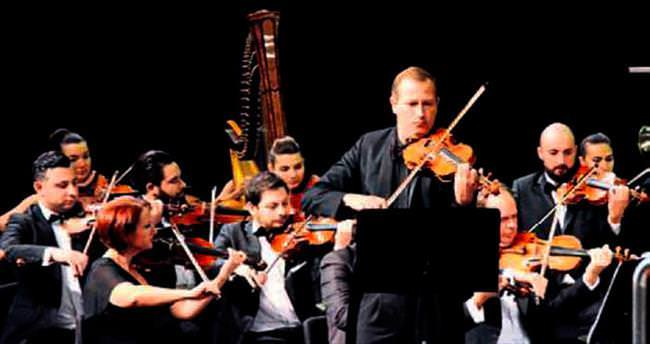 Nicolas'ın AKM'de büyüleyen konseri