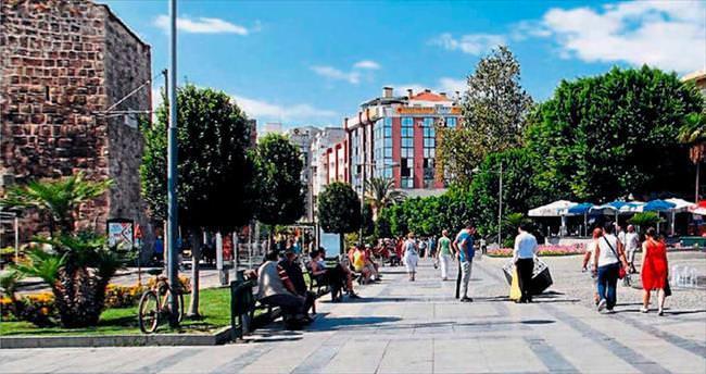 Kasaba görünümünden, modern bir kente