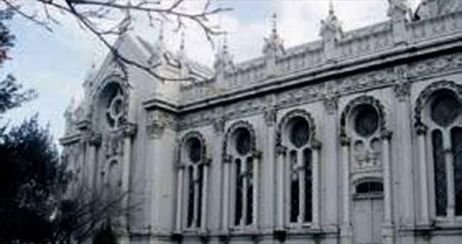 Balat'taki Demir Kilise'ye iç restorasyon
