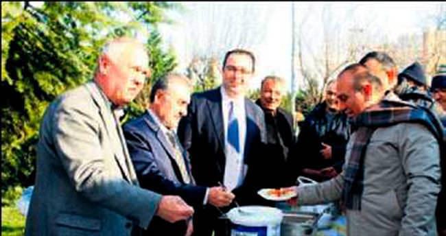 Beylikdüzü'ndeki festivalde 1.5 ton mantı dağıtıldı