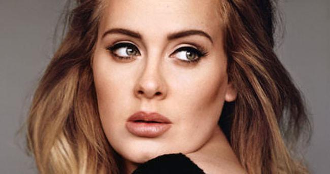 Adele'den şok hareket!