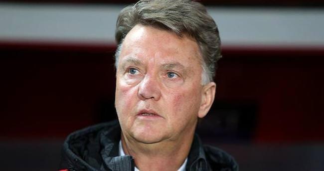 Manchester United'da Van Gaal belirsizliği