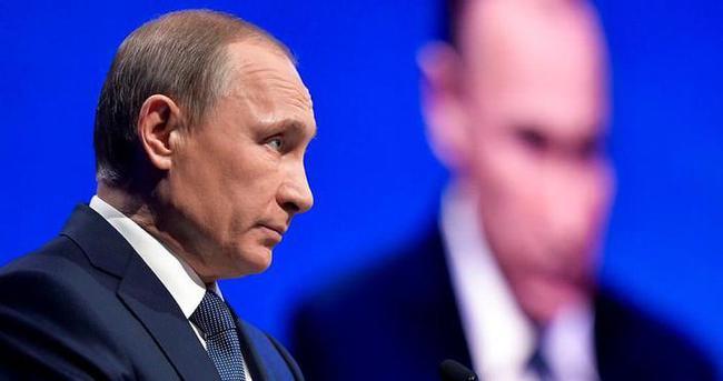 ABD Putin'i yolsuzlukla suçladı