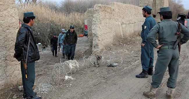 Taliban ilaçla uyutulan 10 Afgan polisini öldürdü
