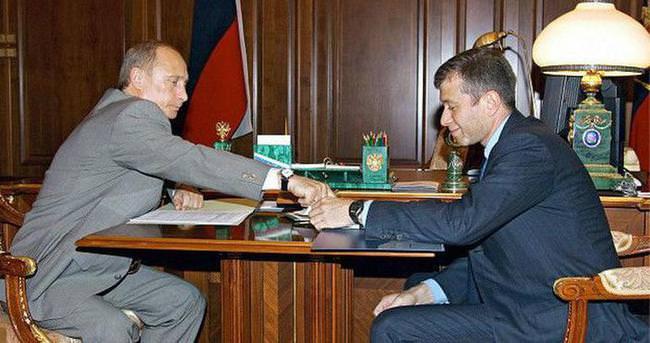 Abromoviç'ten Putin'e 35 milyon dolarlık hediye iddiası