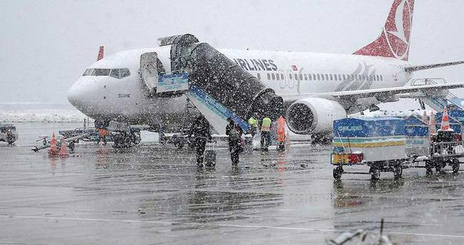 Kar nedeniyle 181 uçuş iptal