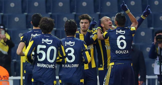 Fenerbahçe'nin göz alıcı performansı sürüyor