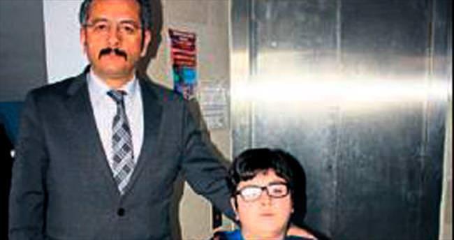 Engelli öğrencilere asansör kolaylığı